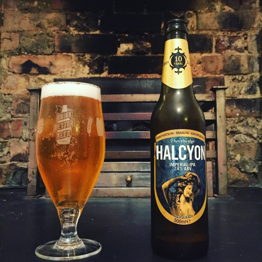 Halycon pours light, aromatic and perfectly carbonated